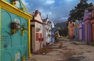 c95-Cementerio-Chichicastenango.jpg